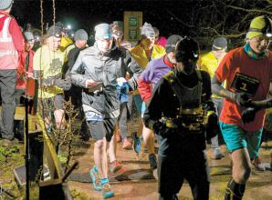 Runners take on five mile road race at Dinton Pastures
