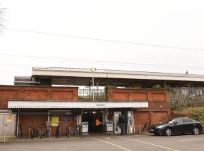 Woman dies on the tracks near Burnham Railway Station