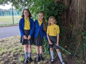 Charvil youngsters litter picking to fundraise for new school sensory garden