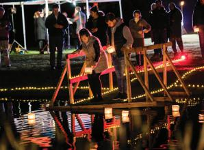 Families remember lost loved ones at Wave of Light service