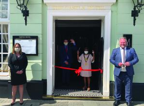 Mayor attends reopening of Castle Hotel in Windsor