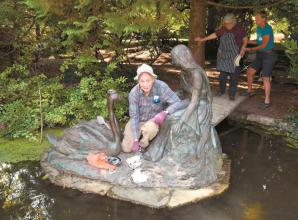 Maidenhead riverside statue given some cleaning attention
