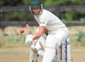 Hurst move back into contention with three-wicket win over Kidmore End